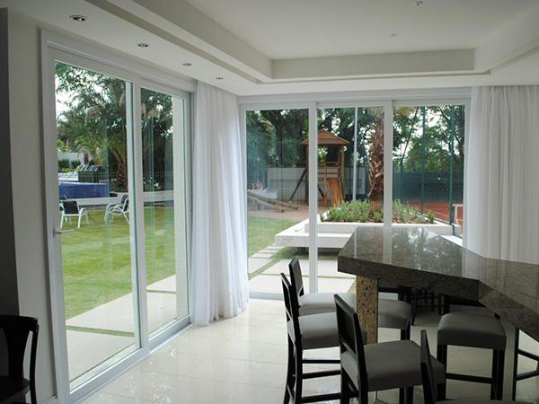 porta-janela-quintal-galeria-porta-janela